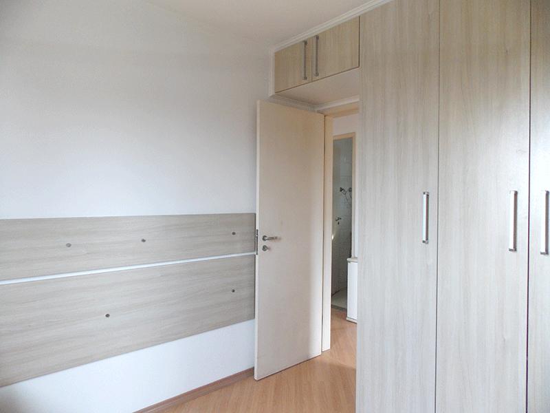 Sacomã, Apartamento Padrão-1º dormitório com piso laminado e armários planejados.