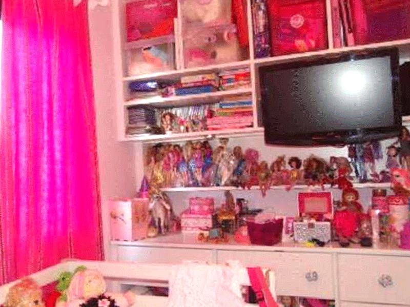 Sacomã, Apartamento Padrão-2º dormitório com piso laminado, armário embutido e teto com moldura de gesso.
