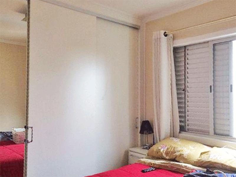 Ipiranga, Apartamento Padrão-1º dormitório com piso vinilico, armários planejados e teto com moldura de gesso.