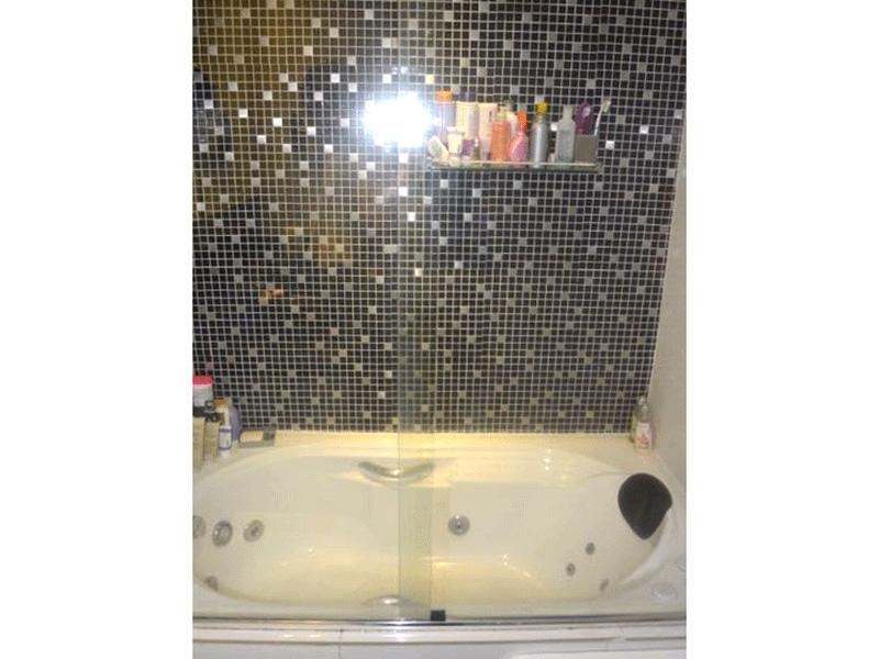 Ipiranga, Apartamento Padrão-Banheiro da suíte com hidro.