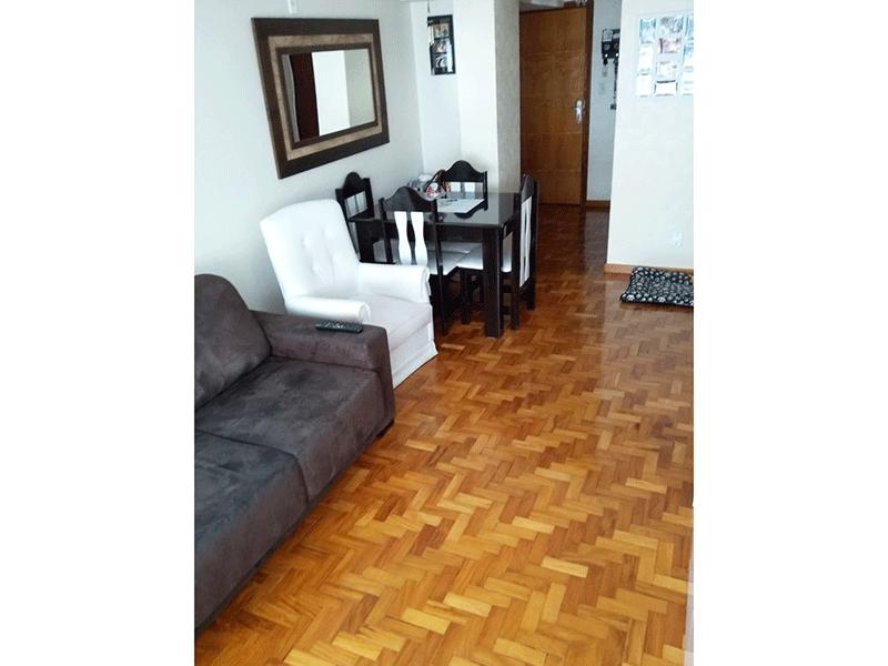 Ipiranga, Apartamento Padrão-Sala com dois ambientes e piso taco de madeira.