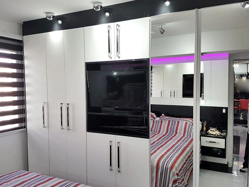 Ipiranga, Apartamento Padrão-Suíte com piso de porcelanato, armários planejados, teto rebaixado e iluminação embutida.