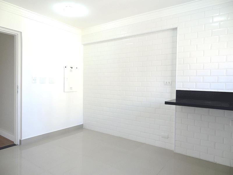 Jabaquara, Apartamento Padrão-Cozinha com piso de porcelanato, pia de granito e teto com moldura de gesso.