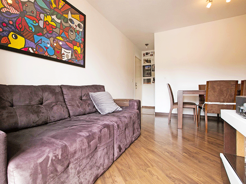Jabaquara, Apartamento Padrão-Sala com dois ambientes, piso laminado e acesso à varanda.