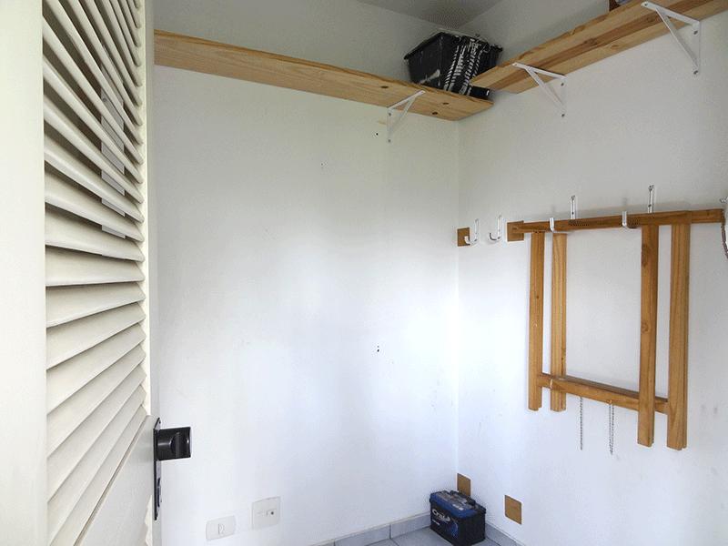 Ipiranga, Apartamento Padrão-Dep. de empregada com piso de cerâmica.