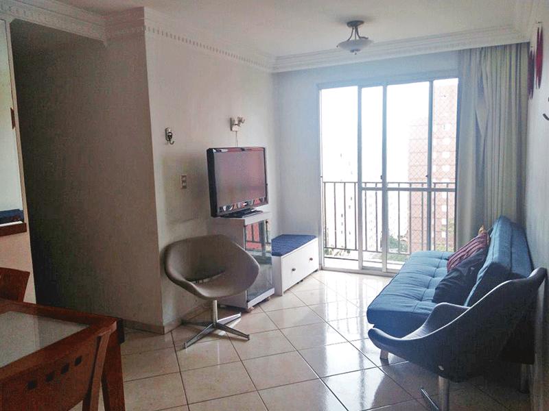 Sacomã, Apartamento Padrão - Sala com dois ambientes, piso de cerâmica, teto com moldura de gesso e acesso à varanda.