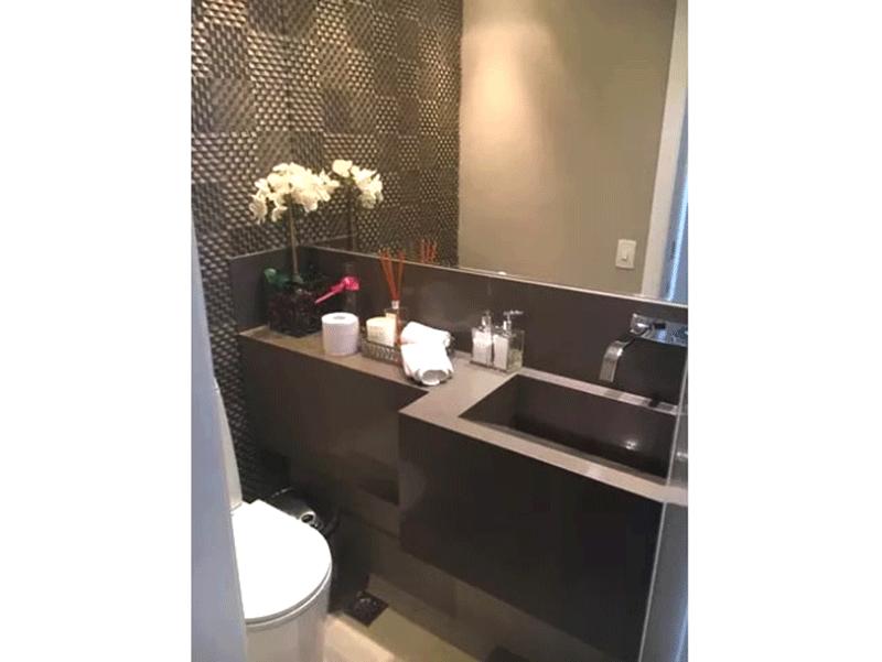 Ipiranga, Cobertura Duplex-Lavabo com piso de porcelanato e pia de mármore.