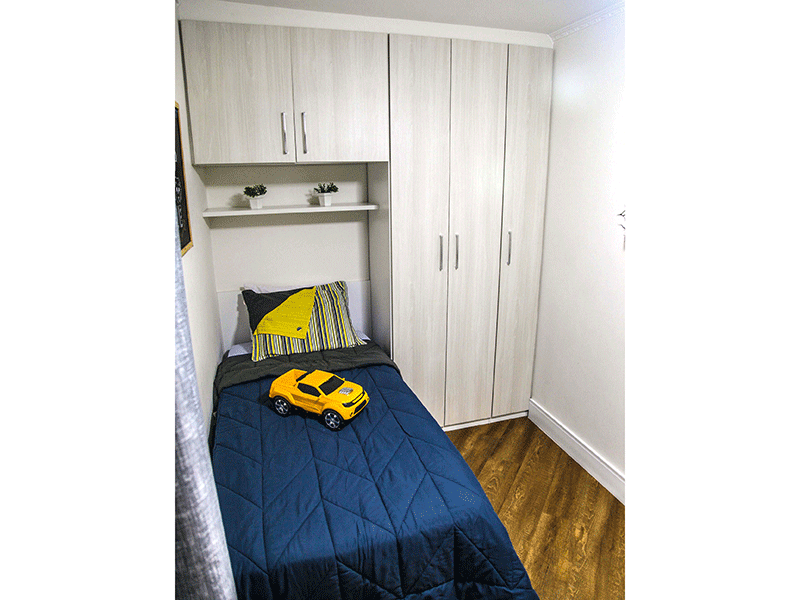 Sacomã, Apartamento Padrão-2ºdormitório com piso laminado e armários planejados.