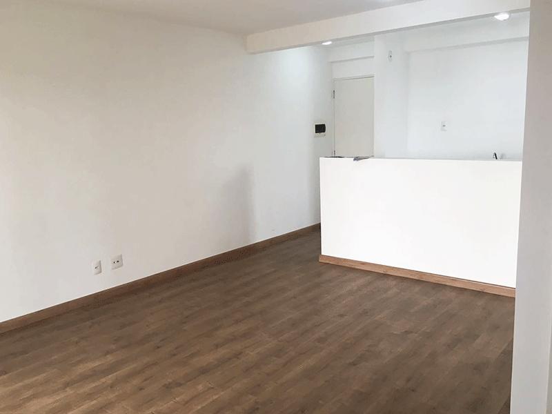 Sacomã, Apartamento Padrão-Sala ampliada com dois ambientes, piso laminado e acesso à sacada (3º dormitório transformado em sala ampliada).