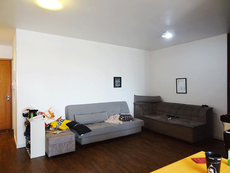 Jabaquara, Apartamento Padrão-Sala integrada com a varanda, com dois ambientes e piso de porcelanato.
