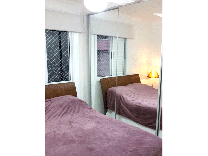 Jabaquara, Apartamento Padrão-1º dormitório com piso de porcelanato e armários planejados.