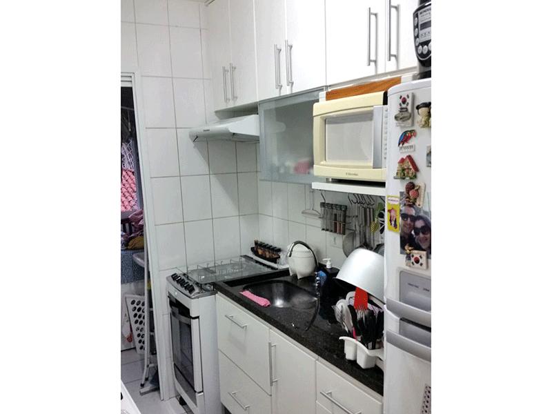 Jabaquara, Apartamento Padrão-Cozinha com piso cerâmica, pia de granito e armários planejados.