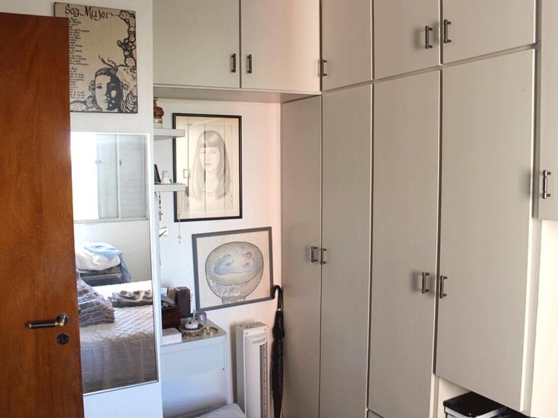 Sacomã, Apartamento Padrão-Quartos com piso de cerâmica e armários.