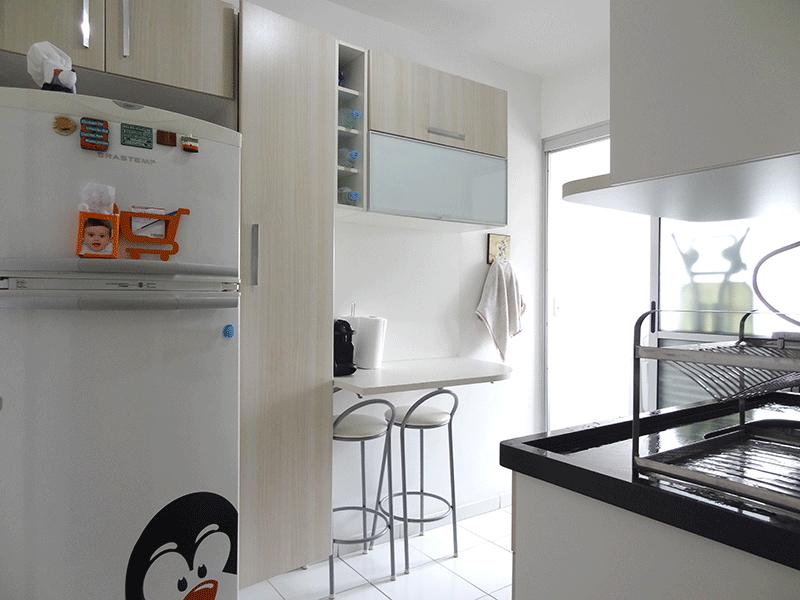 Sacomã, Apartamento Padrão-Cozinha com piso de cerâmica, pia de granito e armários planejados.