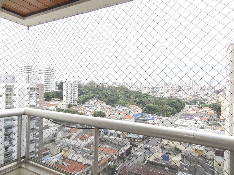 Ipiranga, Apartamento Padrão-Varanda com piso de cerâmica, tela de proteção e teto de madeira.