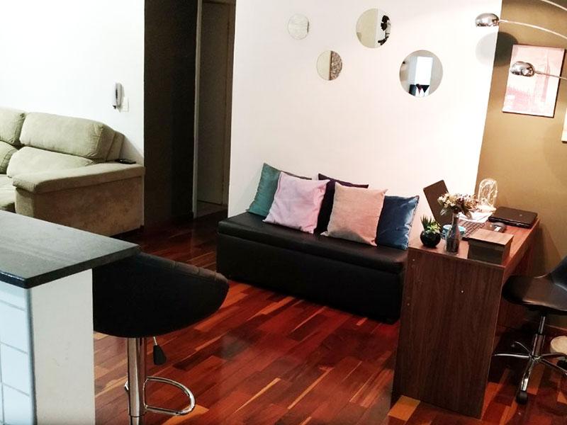 Jabaquara, Apartamento Padrão - Sala com dois ambientes e piso laminado.