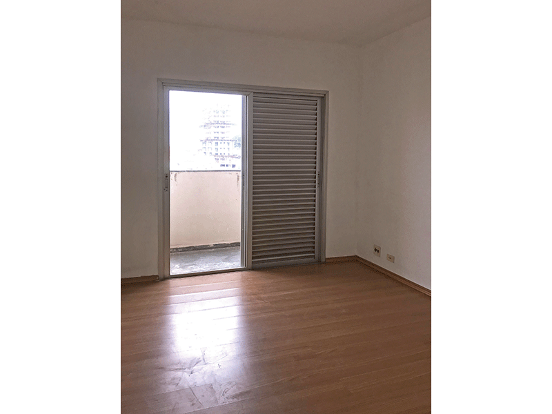 Ipiranga, Apartamento Padrão - Sala com dois ambientes e piso laminado.