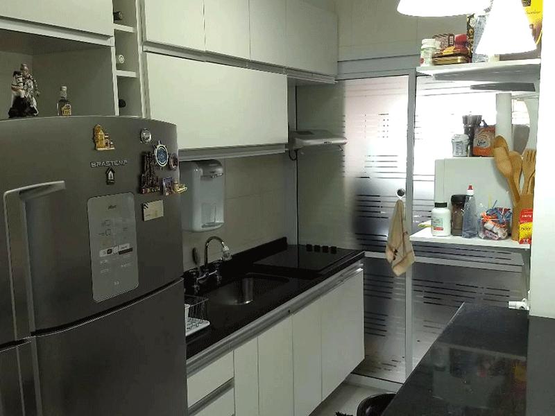 Jabaquara, Apartamento Garden-Cozinha com piso de cerâmica, pia de granito, gabinete e armários planejados.