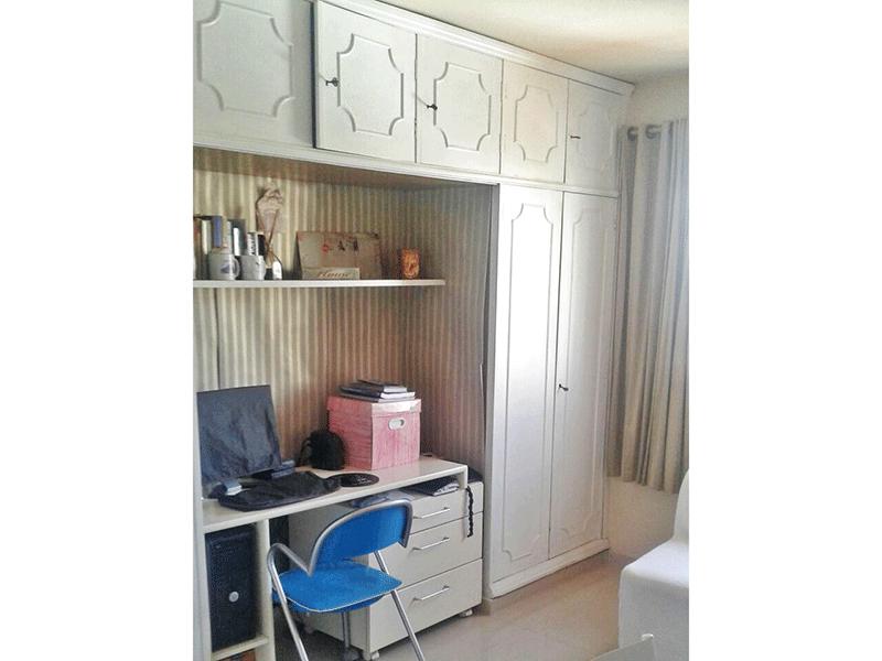 Ipiranga, Apartamento Padrão-2º dormitório com piso laminado e armários planejados.