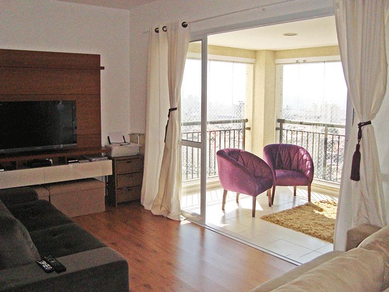 Sacomã, Apartamento Padrão-Sala ampliada com dois ambientes e piso laminado (3º dormitório transformado em sala ampliada).