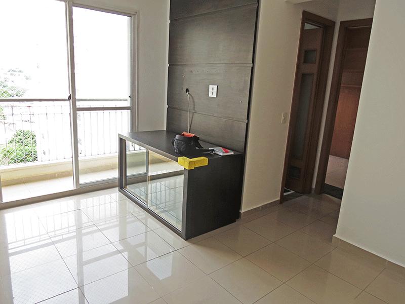 Sacomã, Apartamento Padrão - Sala com dois ambientes e piso de porcelanato.
