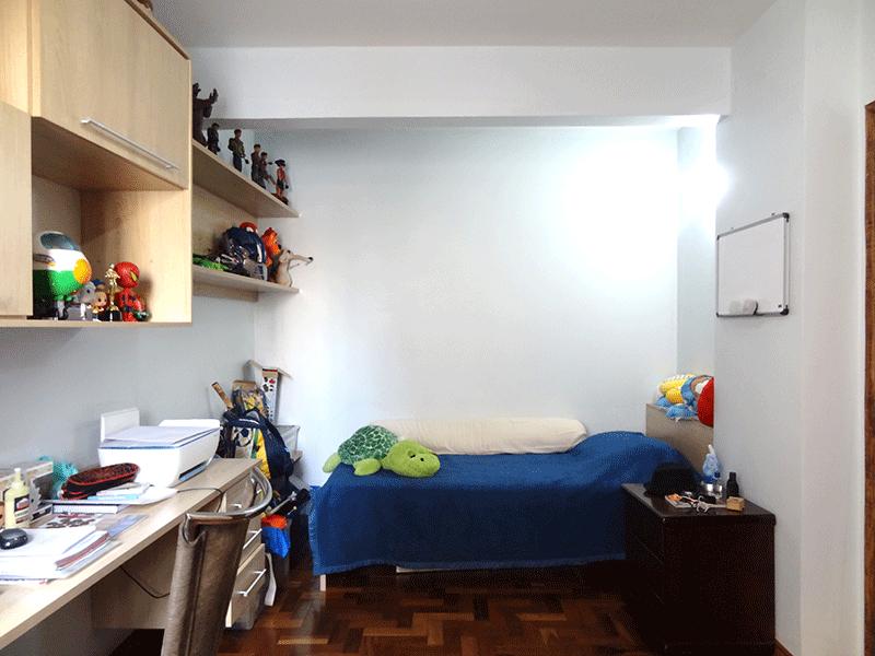 Jabaquara, Apartamento Padrão-Dormitório com piso de madeira e armários planejados.