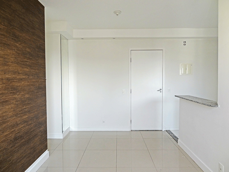 Sacomã, Apartamento Padrão-Sala com dois ambientes e piso de porcelanato.