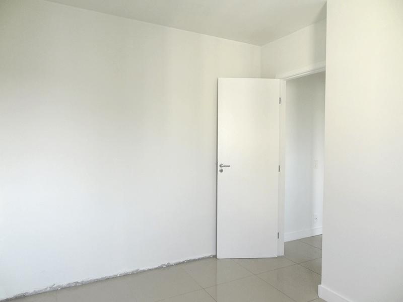 Sacomã, Apartamento Padrão-Dormitório com piso de porcelanato.