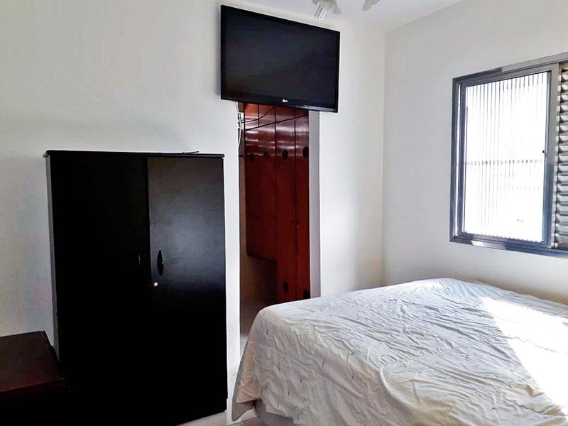 Jabaquara, Apartamento Padrão-Suíte com piso de cerâmica e closet.