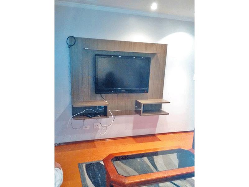 Sacomã, Apartamento Padrão - Sala com dois ambientes, piso laminado, teto com moldura de gesso e iluminação embutida.