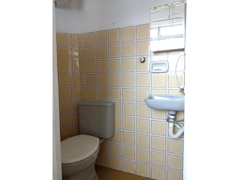 Sacomã, Apartamento Padrão-Banheiro de serviço com piso de cerâmica.
