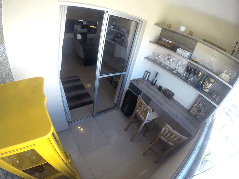 Sacomã, Apartamento Padrão-Varanda com piso de porcelanato e armários planejados.