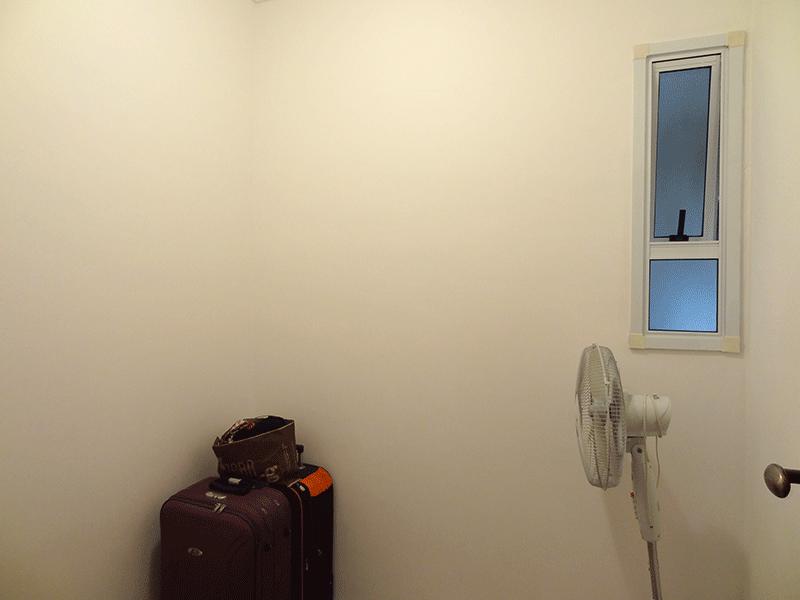 Ipiranga, Apartamento Padrão-3º dormitório com piso de porcelanato e teto com moldura de gesso.