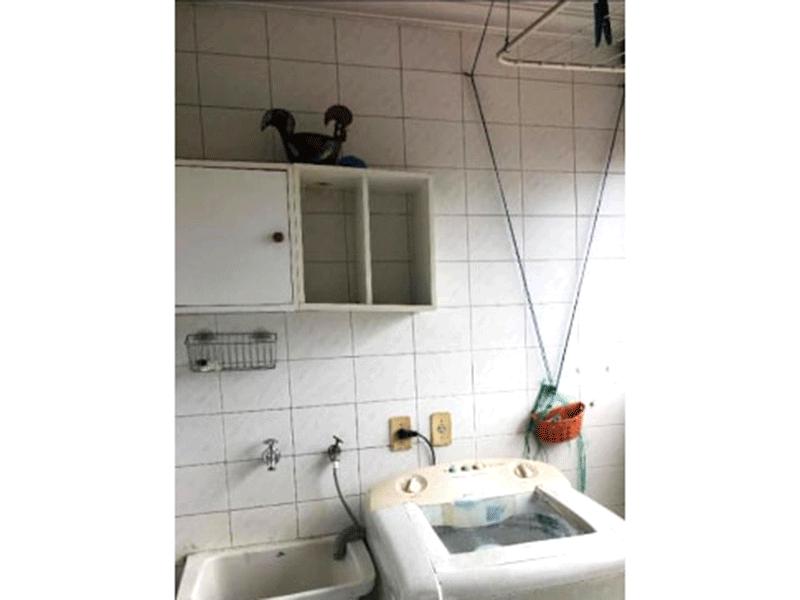 Ipiranga, Apartamento Padrão-Área de serviço com piso de cerâmica e teto com moldura de gesso.