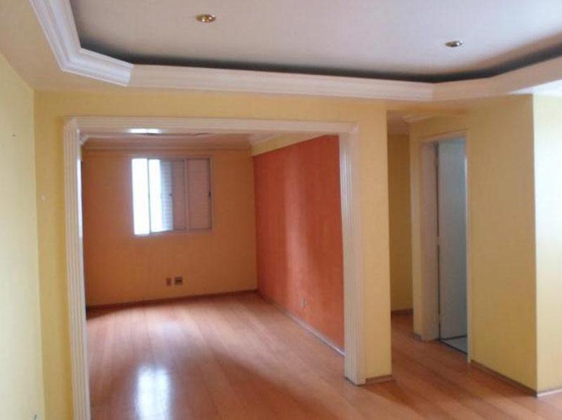 Sacomã, Apartamento Padrão - Sala ampliada com dois ambientes, piso laminado, teto sanca com moldura de gesso e iluminação embutida (3º dormitório transformado em sala ampliada).