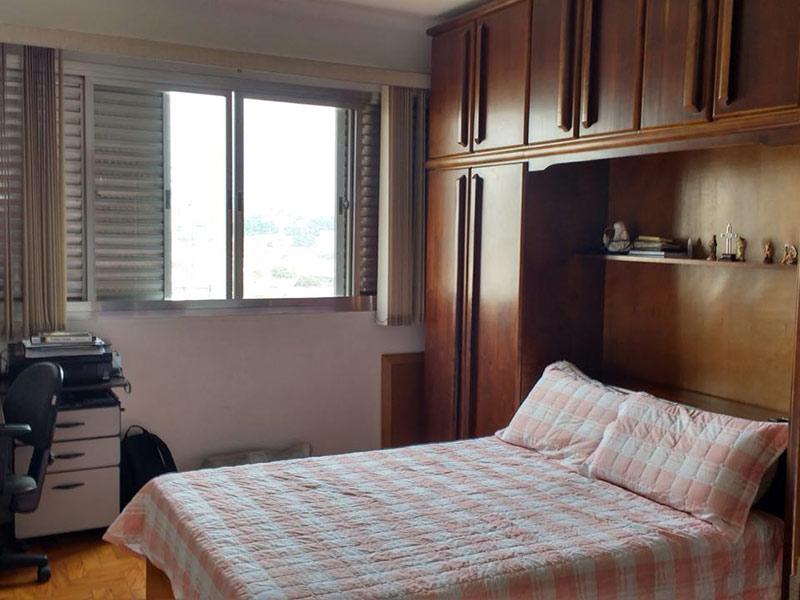 Ipiranga, Apartamento Padrão-Suíte com piso de madeira.