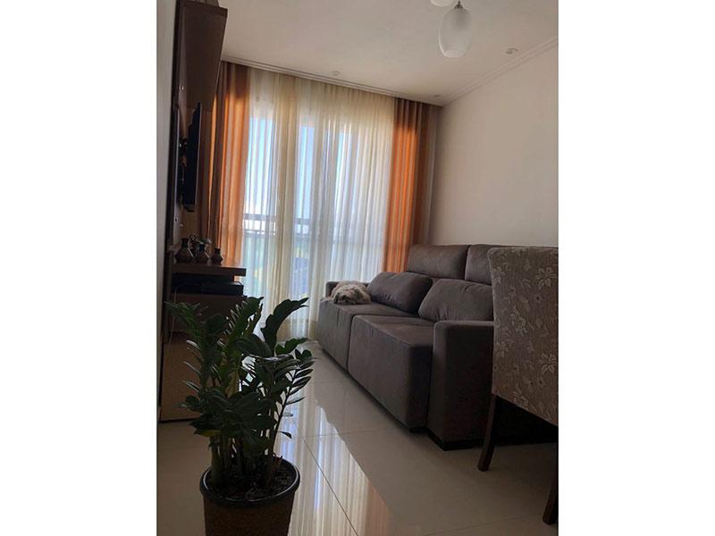 Ipiranga, Apartamento Padrão-Sala com dois ambientes, piso de porcelanato, teto com moldura de gesso e iluminação embutida.