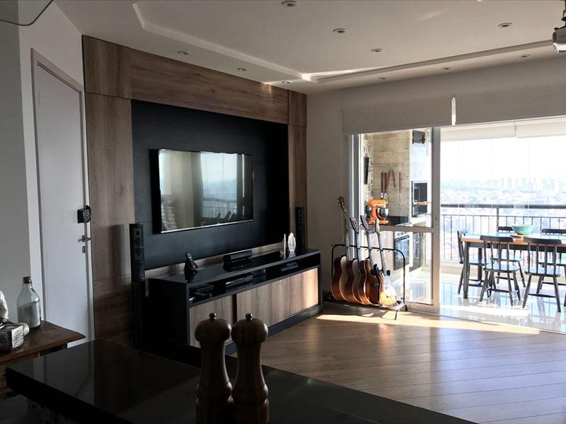 Sacomã, Apartamento Padrão-Sala com dois ambientes, piso de madeira, teto rebaixado e iluminação embutida.