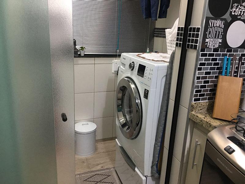 Sacomã, Apartamento Padrão-Área de serviço com piso laminado.