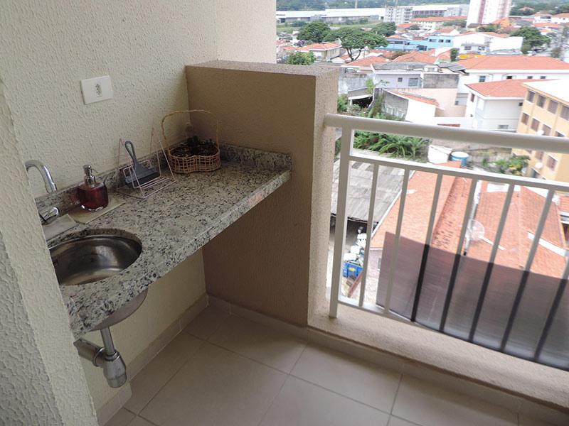 Jabaquara, Apartamento Padrão-Varanda gourmet com piso de cerâmica e pia de granito.