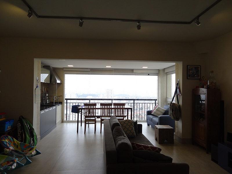 Sacomã, Apartamento Padrão - Sala ampliada com dois ambientes e piso de porcelanato (3º dormitório transformado em sala ampliada).