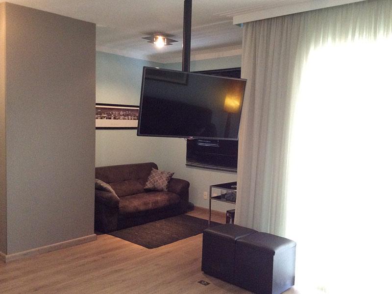 Sacomã, Apartamento Padrão - Sala ampliada com dois ambientes, piso laminado e teto com moldura de gesso (3º dormitório transformado em sala ampliada).