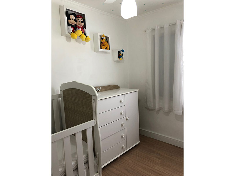 Sacomã, Apartamento Padrão-2º dormitório com piso laminado e teto com moldura de gesso.