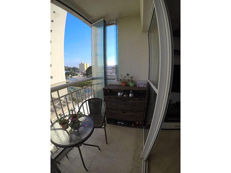 Ipiranga, Apartamento Padrão-Varanda com piso de cerâmica e cortina de vidro.