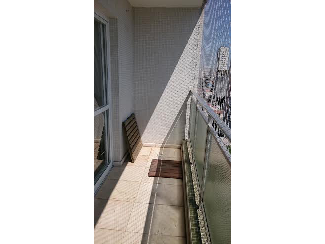 Ipiranga, Cobertura Duplex-Varanda com piso de cerâmica e tela de proteção.