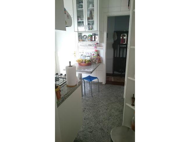 Ipiranga, Cobertura Duplex-Cozinha com piso de granito, pia de granito e armários planejados.
