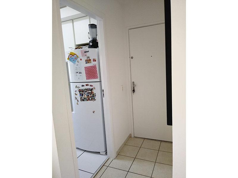 Sacomã, Apartamento Padrão-Cozinha com piso de cerâmica e armários planejados.