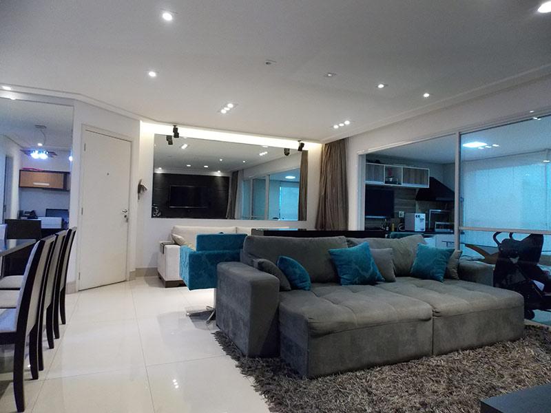 Jabaquara, Apartamento Padrão-Sala ampliada com dois ambientes, piso de porcelanato, teto rebaixado e iluminação embutida (3º dormitório transformado em sala ampliada).