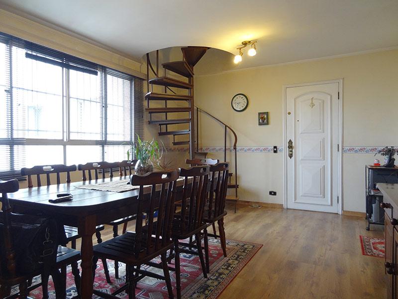 Sacomã, Cobertura Duplex-Sala com dois ambientes, piso laminado e teto com moldura de gesso.