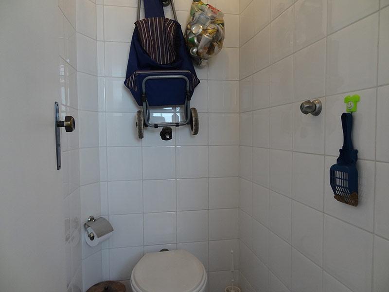 Sacomã, Cobertura Duplex-Banheiro de serviço com piso de porcelanato.